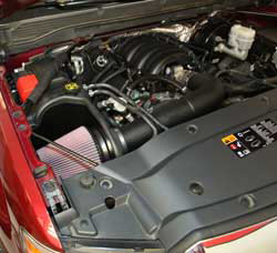 The K&N 63-3085 air intake system maintains a factory like fit and finish under the hood of this 2014 Chevrolet Silverado 4.3L