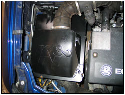 Engine photo with 57S-4900 Performance Air Box installed