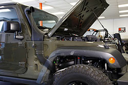 K&N Jeep Wrangler snorkel air intake with transparent fender