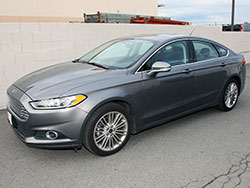 The 2014-2015 Ford Fusion SE can be equipped with an optional 1.5L EcoBoost turbocharged engine which focuses on maximizing power and fuel efficiency
