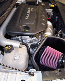 K&N air intake system in engine bay of 2015-2016 Chrysler 200 2.4L Tigershark engine
