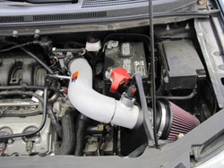 Ford Edge 3.5L with K&N air intake installed.