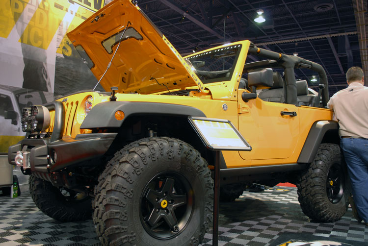 aev conversions unveils a hemi v8 jeep wrangler jk at sema. Black Bedroom Furniture Sets. Home Design Ideas
