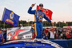 Todd Gilliland wins NASCAR K&N Pro Series at Evergreen Speedway