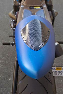 Honda CB 750-836 by AFT Customs carbon fiber trim