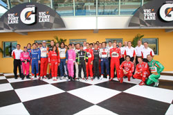 IndyCar Series drivers and Honda Performance Development officials pose for class photo