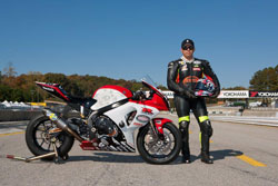 Luie Zendejas switched to a KWS built GSX-R1000 Superbike for the last race of the season, while continuing to run the BMW S1000RR in Superstock.