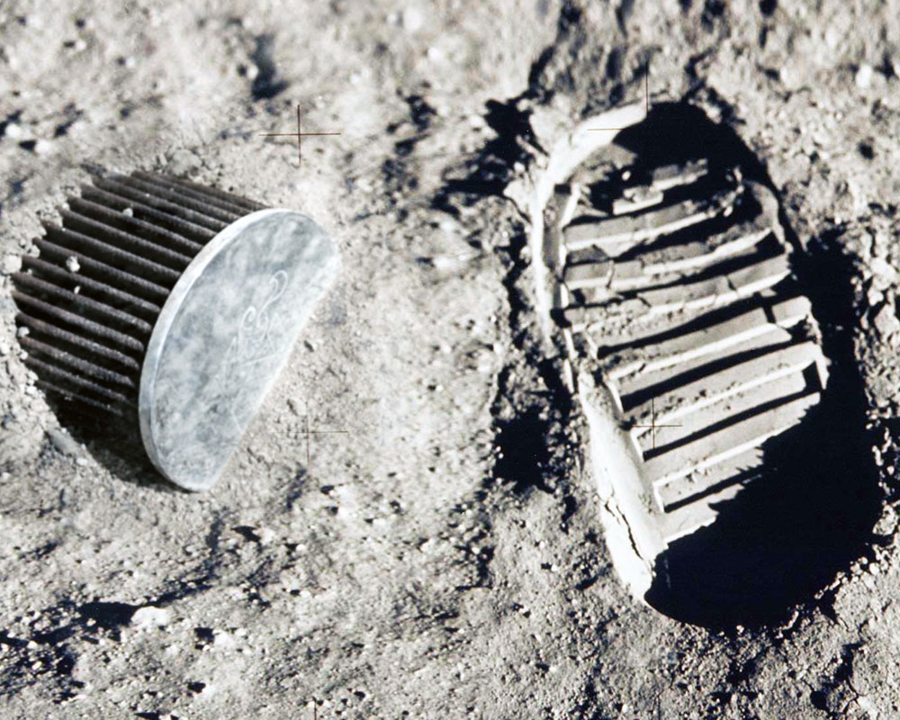 evidence of intelligent life found on moon during 1969
