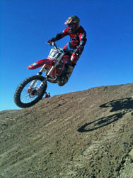 When not in Baja, Eddy races in the National Hare and Hound series and the WORCS series.