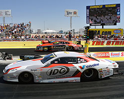 Shane Gray narrowly defeated V.Gaines with his run of 6.676 seconds at 207.91 MPH vs. Gaines' 6.688 at 207.98