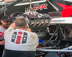 With RJ Anderson starting on the Pro-2 pole in LOORRS round 6 the crew pushed hard to pull off a complete engine swap in little more than two hours