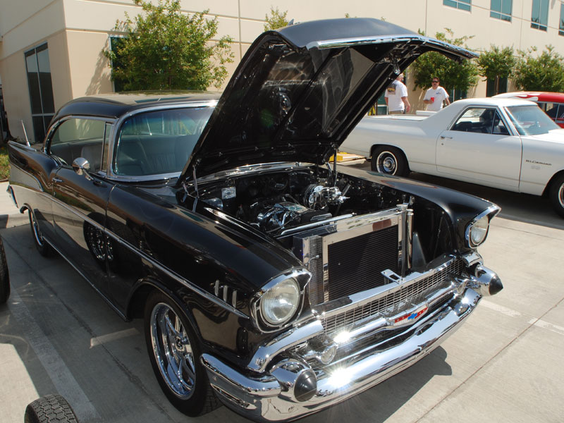K&N Sponsors Classic Cars and Street Rods in Local Car Show
