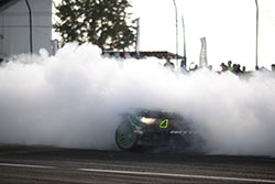 Vaughn Gittin Jr. smokes tires with 2016 900 horsepower 2016 Ford Mustang RTR