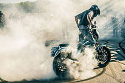 Kade Gates of UNKNOWN riders doing burnout