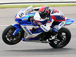 Jake Lewis ran strong aboard his K&N equipped Yoshimura Suzuki GSX-R1000 leading early in race 2