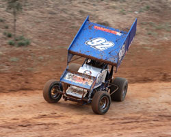 Forsberg making a move on the outside in his number 92 360 Sprint Car