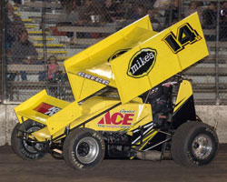 Andy Gregg opened his sprint car season with a 3rd place finish in the Silver Cup finale at Chico.