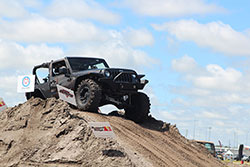 Jeep Beach 2016 Jeeps on obsticle course
