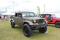 Jeep Beach 2016 Kaiser JK pickup