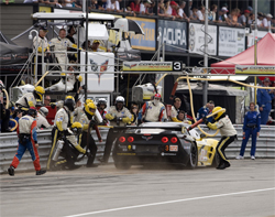A quick pit stop before pack of GT2 cars resumed fighting for the lead in the American Le Mans Series, photo by GM Corp