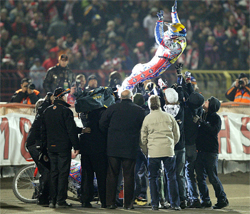 Triple Crown Champion Jason Crump will chase the record of six world Grand Prix titles starting in 2010