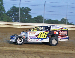 Big Block Dirt Modified driver Rob Curtis at Sharon Speedway in Hartford, Ohio