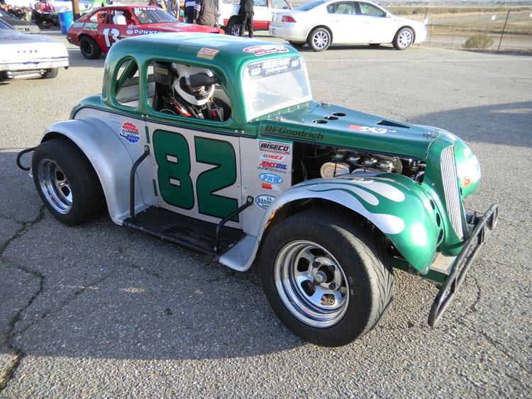 2010 Legend Car Rookie Derek Lacey Wins At Willow Spring