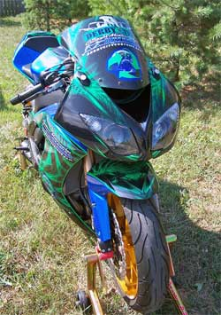 Hydrogen gasoline engine on 2008 Kawasaki ZX-10 reportedly doubles the manufacturers estimated gas mileage