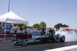 The K&N sponsored 4-link dragster is powered by a Sunset Racecraft 582.