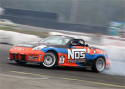 The Seattle, Washington Drift event put Chris Forsberg in the NOS Energy Maxxis Tires Nissan 350 Z to the ultimate test, photo by John Choi