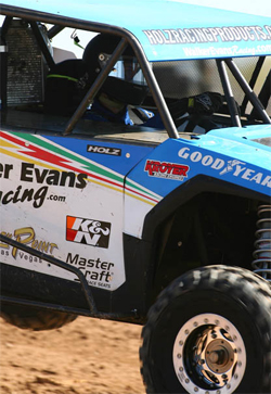 Walker Evans Polaris Razor is equipped with K&N air and oil filters, courtesy of JnL Photo