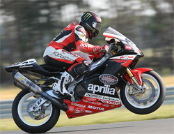 Aprilia RSV 1000R puts Chaz Davies on the podium during the final race of the season in New Jersey