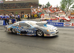 Allen Johnson put a perfect light on the board which allowed him to beat Greg Anderson in the 2008 K&N Horsepower Challenge