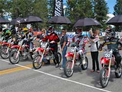 FL/Honda 150 Exhibition Class lines up at Pike's Peak Hill Climb