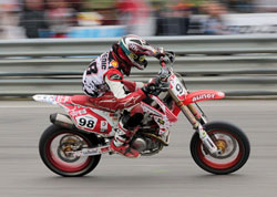 Watch for the talented young Wedenig next season, he's seriously hungry for an Austrian Supermoto championship