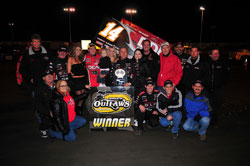 Elite Racing team celebrates second victory of the season at Thunderbowl Raceway in Tulare, California, Meyers' home track