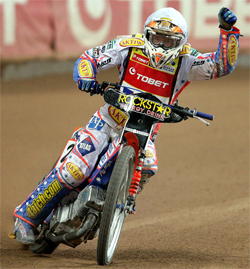 Jason Crump scores a perfect score in Cardiff for his fifth British title and a record breaking 21 Grand Prix wins