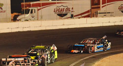 Lucas Oil Modified racer Jim Mardis stays in the battle for championship after LoanMart Arizona 100