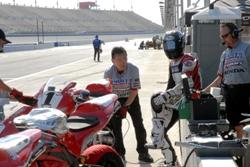Erion rider Josh Hayes at the Suzuki Superbike Challenge