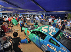 Teamwork in the Falken Tires pits readied the 2010 Mustang for competition at Las Vegas Motor Speedway, photo by John Choi, provided by Falken Tires