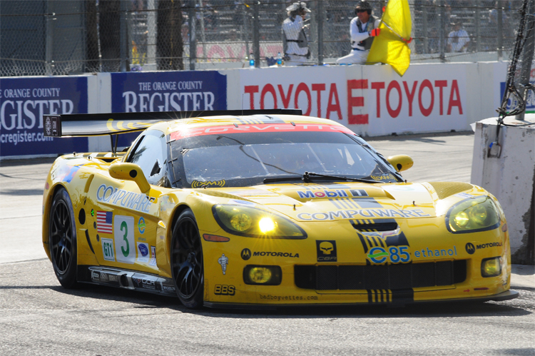 streets of long beach stage set for alms race and gt1 corvettes. Black Bedroom Furniture Sets. Home Design Ideas