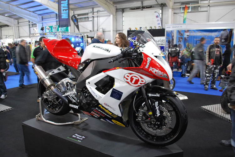 Mark Buckley S Otss Racing Kawasaki Superbike At Carole Nash Mcn