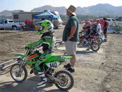 Marshall Stewart at the starting line with dad Chris Roberts