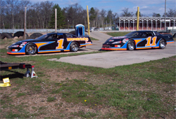Father and son, Mike and Brandon Reichenberger have twin Super Late Model cars