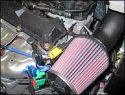 K&N performance air intake system 57-0660 installed on a 2008 Peugeot Partner