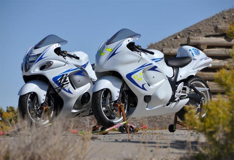 Honda CBR 600RR and Suzuki GSXR 1300s Set New Records at Bonneville ...