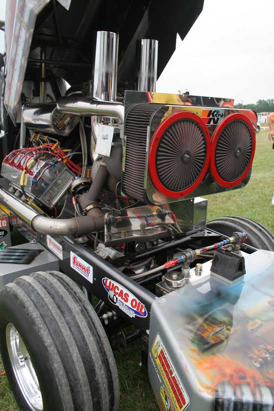 Tractor Pulling Engines : Pro pulling league competitors use k n filters