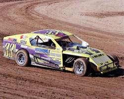 Billy wormsbecker exoereinced a successful season in 2011, earning the Victorville Raceway Park class Champion.