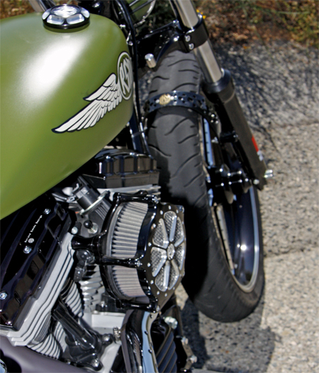 Roland Sands vintage design Bombs Away is equipped with a K&N air filter