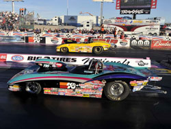 Steve Williams drives his Super Gas Corvette to the final round in Las Vegas